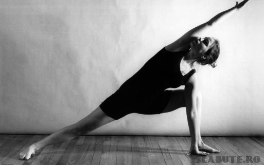 exercitii yoga Slabim cu exercitii YOGA
