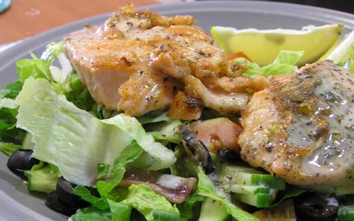 somon inabusit Salata de spanac cu somon inabusit
