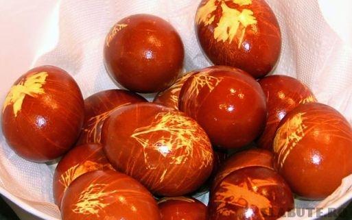 oua vopsite coaja ceapa Oua vopsite in culori naturale
