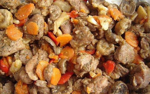 pulpa porc legume tigaie Pulpa de porc cu legume trasa la tigaie
