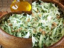 Salata de castraveti cu germeni de grau incoltiti
